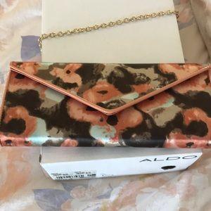 Also peach, brown and blue purse